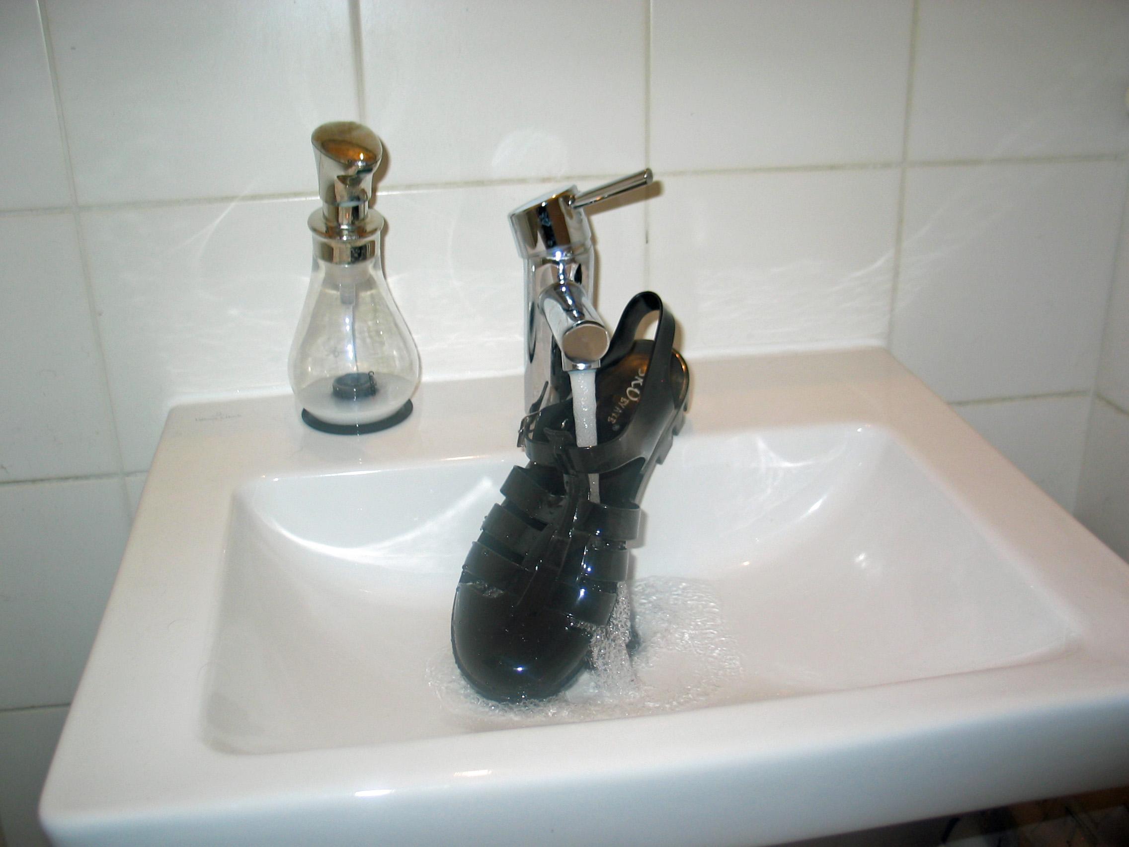 Schuh Wasser