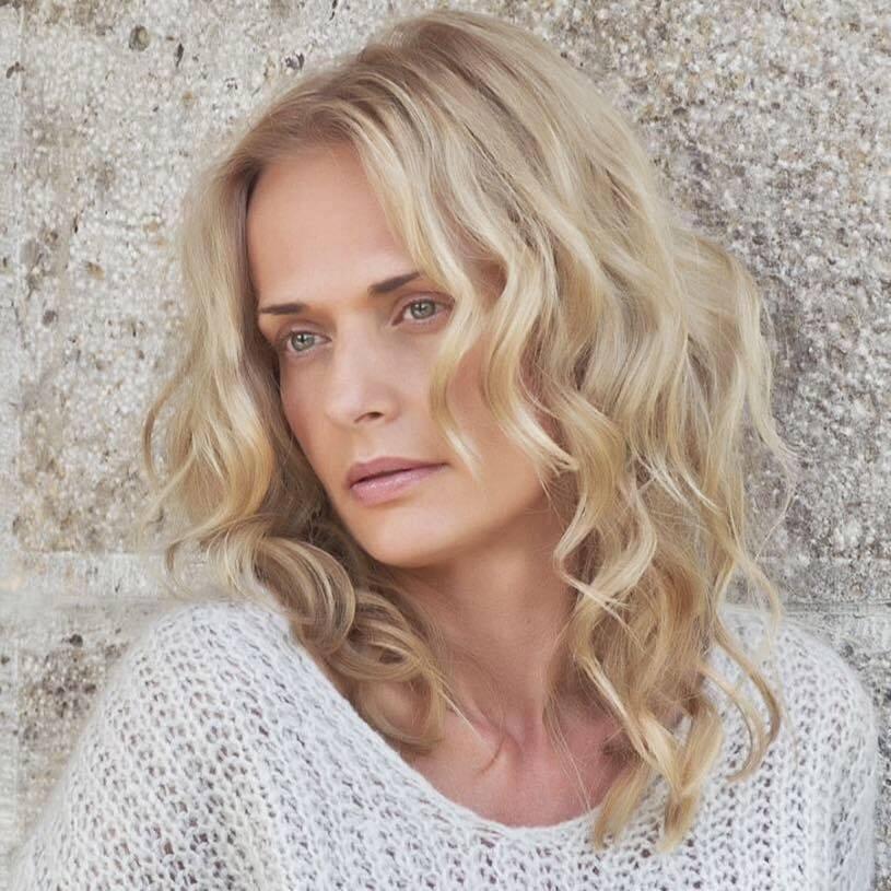 Tania T van Zyl